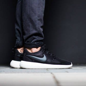 Men's Shoes sneakers Nike Roshe Two 844656 003