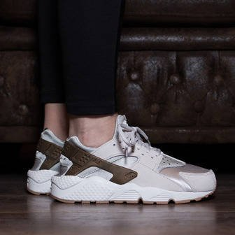 Women's Shoes sneakers Nike Air Huarache Run Premium Suede 833145 001