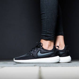 Women's Shoes sneakers Nike Roshe Two 844931 002