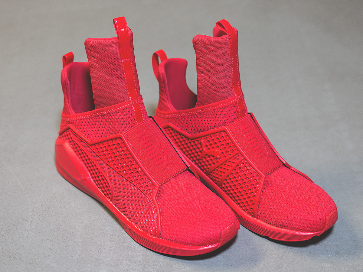 women 39 s shoes sneakers puma fenty trainer x rihanna red alert 189193 03 best shoes sneakerstudio. Black Bedroom Furniture Sets. Home Design Ideas