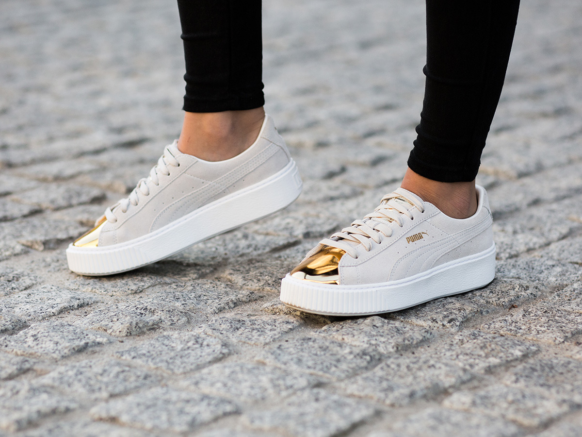 women 39 s shoes sneakers puma suede platform gold 362222 01 best shoes sneakerstudio. Black Bedroom Furniture Sets. Home Design Ideas