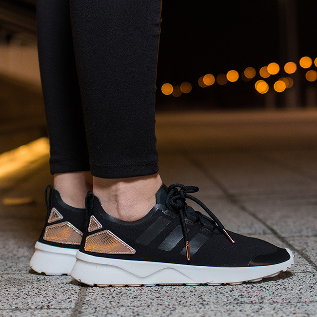 ZX FLUX WOMEN'S RUNNING SHOES | BY ADIDAS