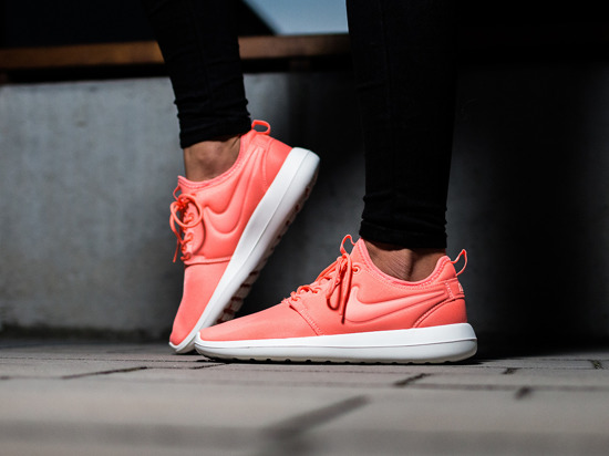Women's Shoes sneakers Nike Roshe Two 844931 600