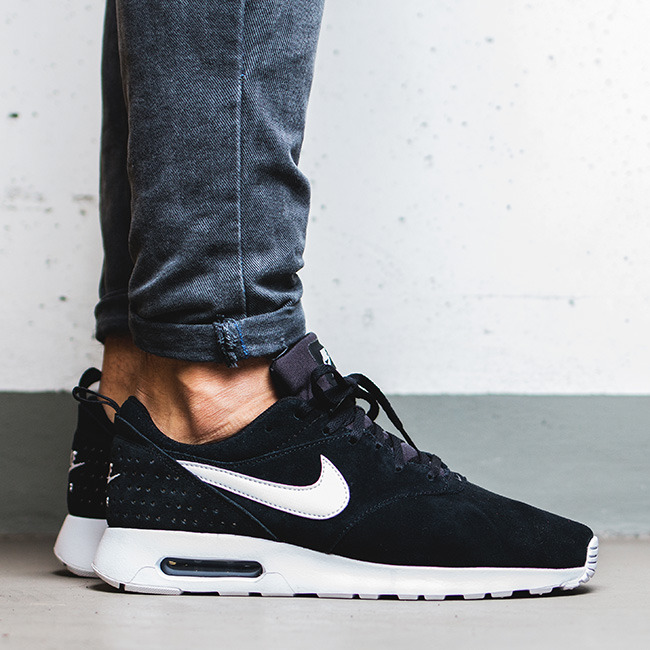 Nike Air Max Tavas Leather