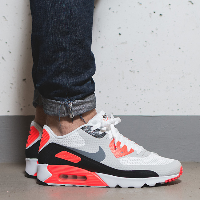 Air Max 90 Ultra Essential Sneakers
